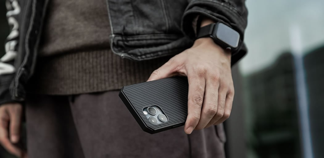 Чехол усиленный iPhone 12 Pitaka Россия
